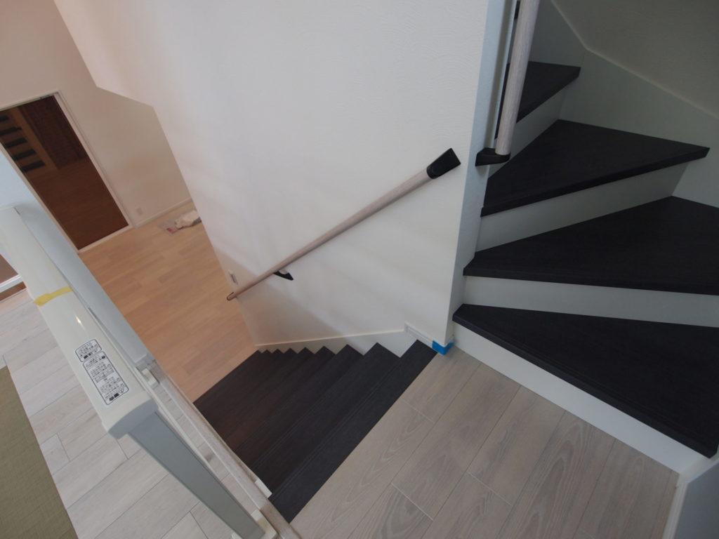 周り階段 内回し手摺